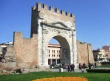 Arco_d'Augusto,_Rimini_Italy