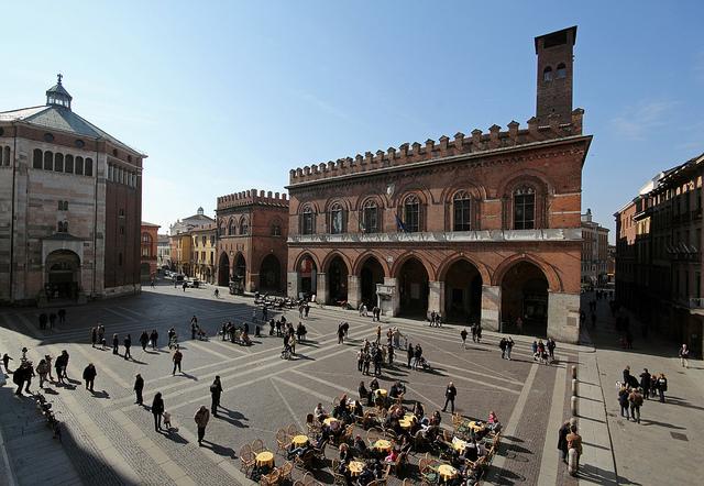 Cremona piazza